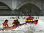 07-01-2012-reddingsbrigade-oefent-op-de-ijssel